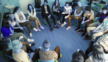 Kruhové sedenie